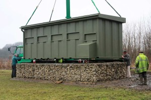 8-Installation-of-new-Duck-Marsh-Hide-Feb-2010